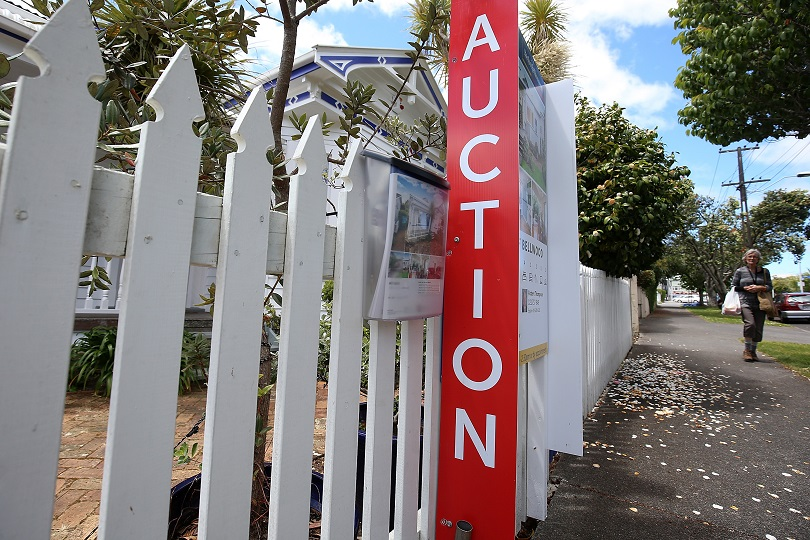 house-auction